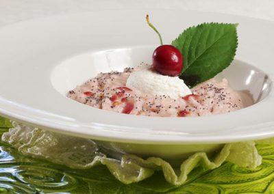 Risotto alle ciliegie con mousse di yogurt